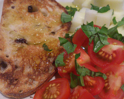 Recipe - Goats Cheese and Tomatoes with Olive Bread